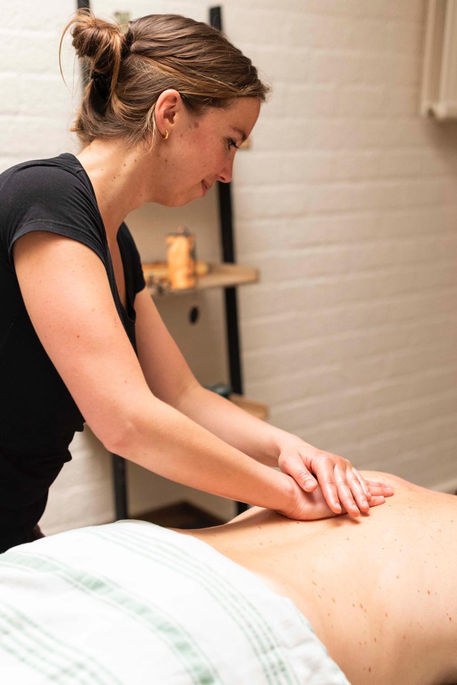 ingrid arnou masseuse chinese massage tilburg tuina acupunctuur